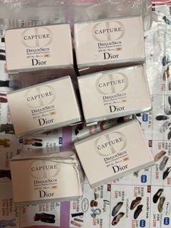 Dior Capture Dream Skin Moist & Perfect Cushion 4g氣墊