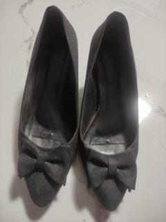 Hak pantofel (sepatu kantor murah)