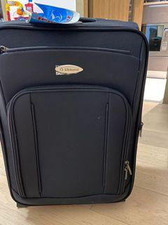 NEW Expandable Diplomat Suitcase - 20 inches