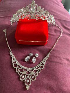Set Jewelry Perhiasan Kalung Necklace Anting Earrings Mahkota Crown