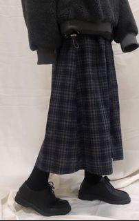 Studiou 羊毛開釦格子裙(深藍)