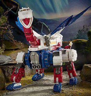 Transformers Earthrise Commander Sky Lynx