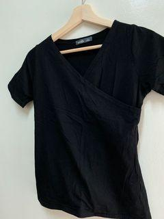 V領顯瘦短袖 黑色顯胸上衣