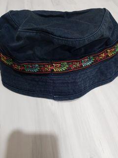 漁夫帽。遮陽帽