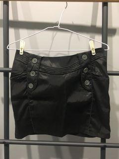 黑色質感短裙