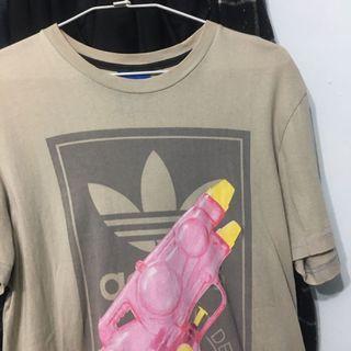 Adidas 粉色水槍圖案