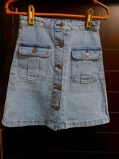 《GU》牛仔排扣短裙(全新。僅試穿)