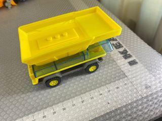 Lego style construction toy