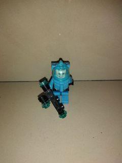 Mainan lego doc freeze