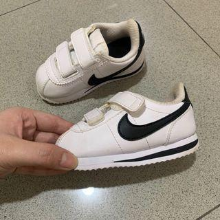 Nike Shoes / Sepatu Nike anak AUTHENTIC!