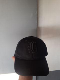 Topi Hitam
