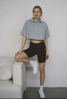 全新現貨✨UO urban outfitters out from under 灰色排扣立領短袖短版polo上衣
