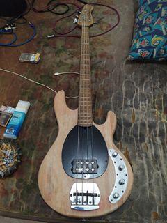 Bass musicman stingray