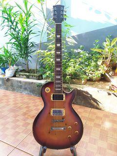 Gitar gibson less paul custom