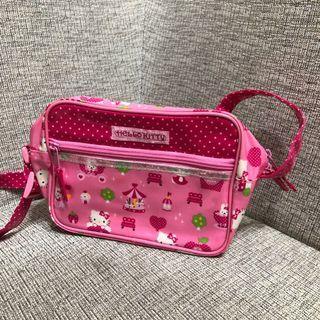 Hello Kitty防水斜背包