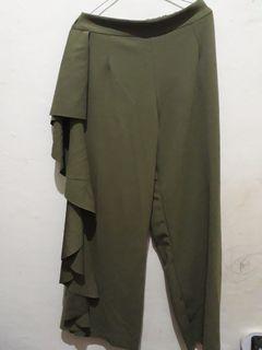 Ish army rufffle pants