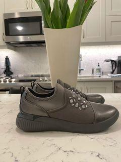 NEW SIZE 8 SILVER STUDDED GEOX SNEAKERS