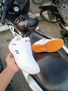 Sepatu Olahraga Yonex Butterfly