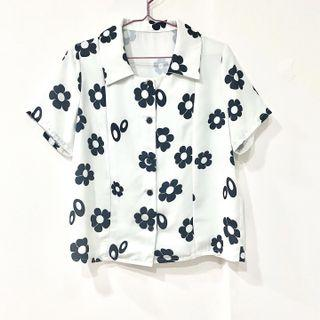 Top ::: 黑白花朵雪紡短袖襯衫