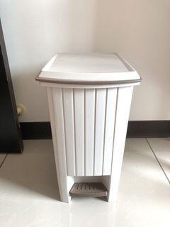 全新 簡約風垃圾桶 10L