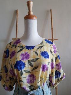 二手 vintage 古著 復古嫩黃格紋底藍紫大花寬鬆後開扣五分袖雪紡上衣