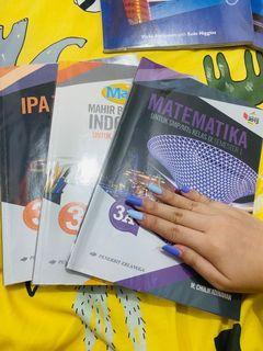 Buku matematik, ipa dan BI kelas IX
