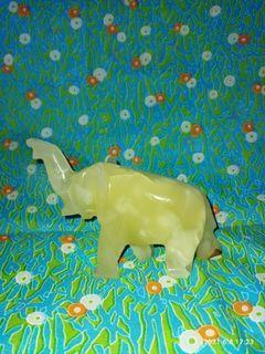 Gajah Batu Giok