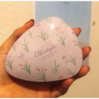 Lanvender薰衣草粉紫三角小鐵盒