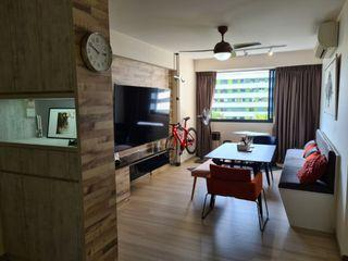 Near Sumang LRT! Master room at 308c punggol walk for rent! Aircon wifi!