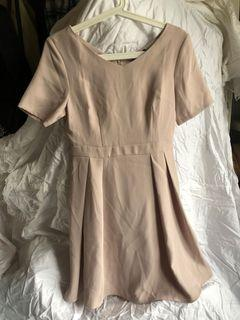 PAZZO 杏色圓領洋裝