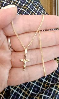 Set of 18K750  Yellow Gold Chain with 14K585 Yellow gold Cross pendant