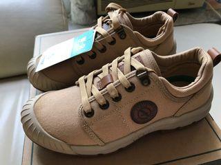 Aigle 行山鞋