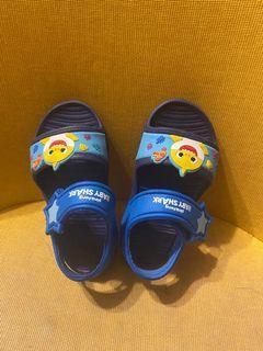 baby shark涼鞋