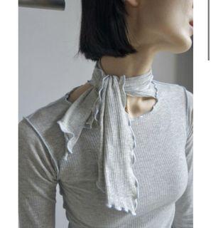 BASERANGE  PAVA LONG SLEEVE 灰色有機棉綁帶造型上衣💜