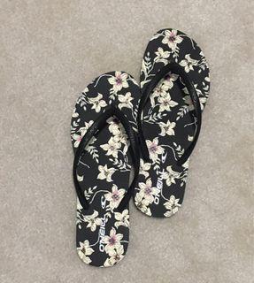 Brand new O'neill flip flops size 10