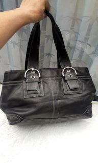COACH BLACK LEATHER CARRYALL TOTE BAG