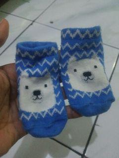 Kaos kaki bayi lucu