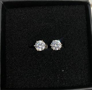 Signity diamond earrings in silver dip in wh