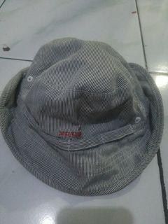Topi babygap