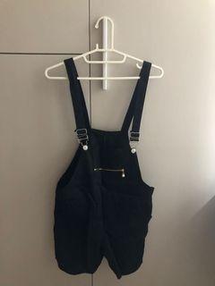黑色吊帶褲