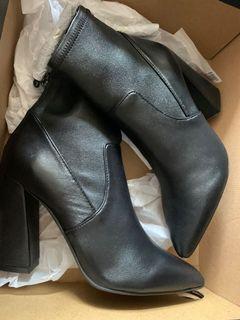 全新Kenneth Cole boots