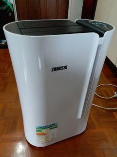 金章Zanussi ZD203DA 多功能抽濕機(20L/day) dehumidifier **注意: 運作時聲音較大**