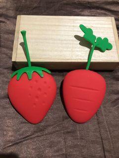 文創小物 防水矽膠 偽裝草莓 / 紅蘿蔔 造型 鑰匙包