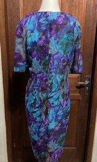 Dress abstrak biru ungu