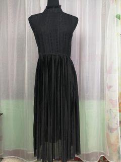 140. Arden B Sleevless Dress