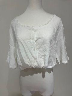 Airspace lady 白色 蕾絲 花邊 可愛 五分袖 白色 上衣 綁帶  腰身 短版 #支持