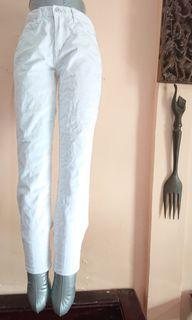 Jeans Putih Skinny Preloved