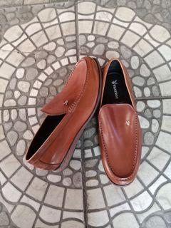 Play Boy Loafers size 40