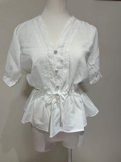 V領 短袖 白色 蕾絲 上衣 造型 縮口 可愛 綁帶 腰身 #支持