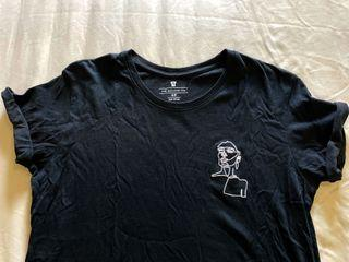 Black Relaxed Tee Size S